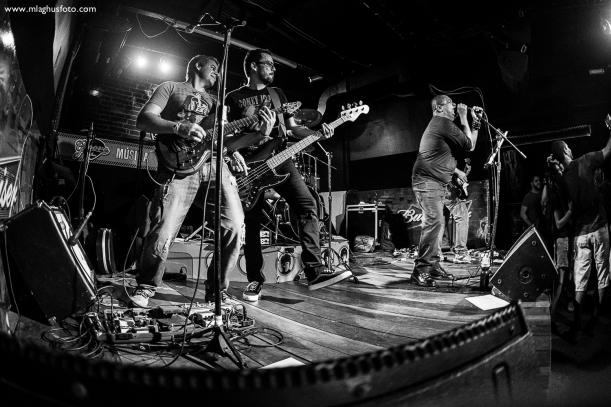 Show cobertura fotográfica mlaghus profissional fotografia banda the broadcaster groove bar barra salvador (3)
