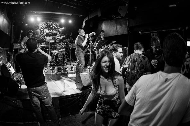 Show cobertura fotográfica mlaghus profissional fotografia banda the broadcaster groove bar barra salvador (5)