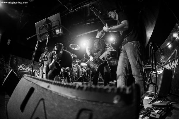 Show cobertura fotográfica mlaghus profissional fotografia banda the broadcaster groove bar barra salvador (7)