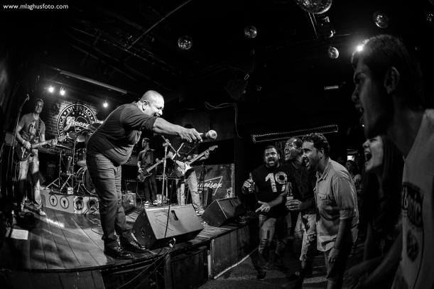 Show cobertura fotográfica mlaghus profissional fotografia banda the broadcaster groove bar barra salvador (8)
